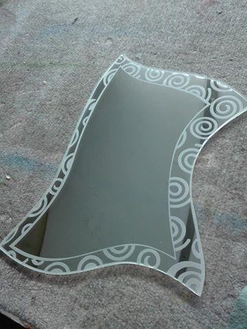 Specchio sagomato decorato