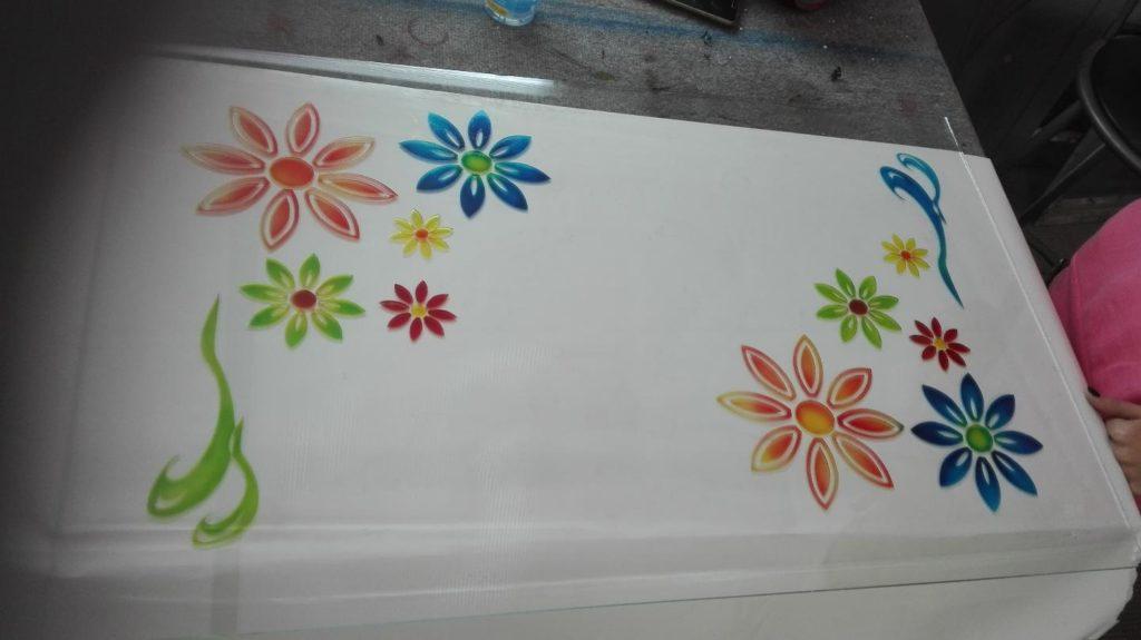 Vetro trasparente con decoro colorato